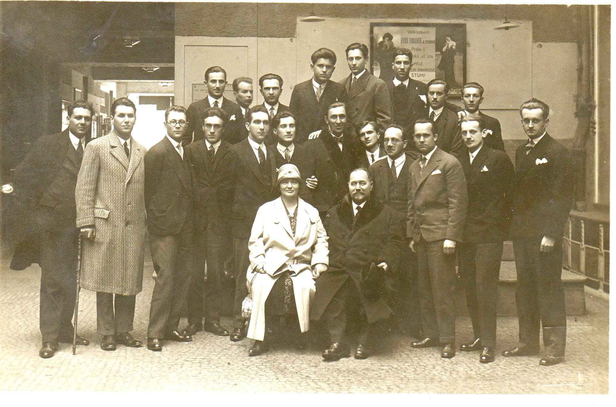 14- Odbor Akad.kluba Matija Gubec U Pragu Sa S.R. I M.R.