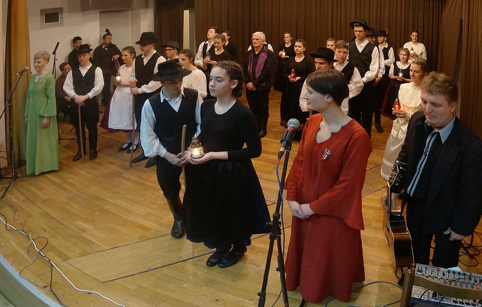 Madjarski Narodni Plesovi Iz Baranje (18)