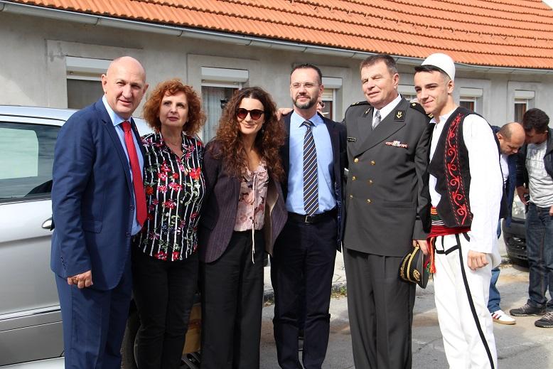 Albanci Dom 19
