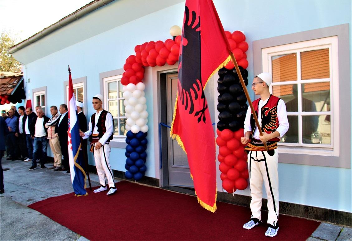 Albanci Dom 1