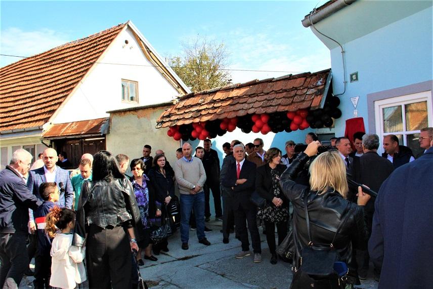 Albanci Dom 2