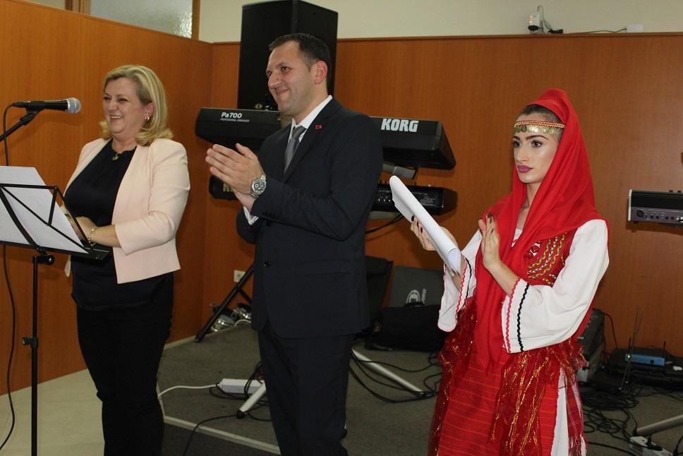Albanci Ucitelji 2