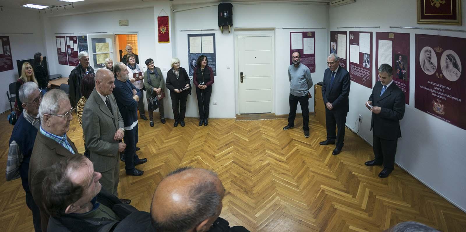 Izlozba U Crnogorskom Domu (14)
