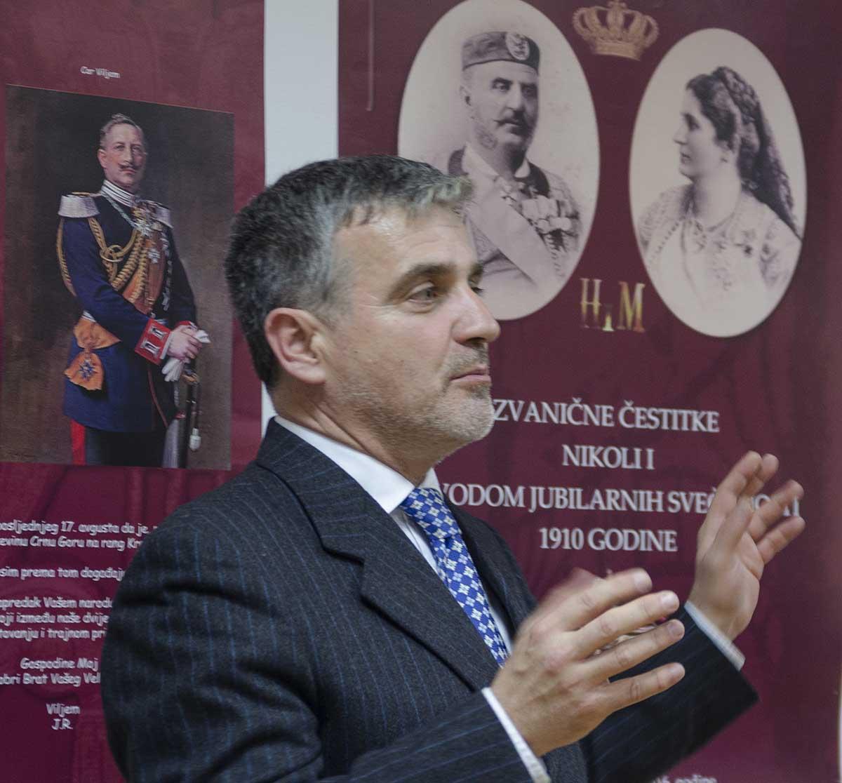 Izlozba U Crnogorskom Domu (2)