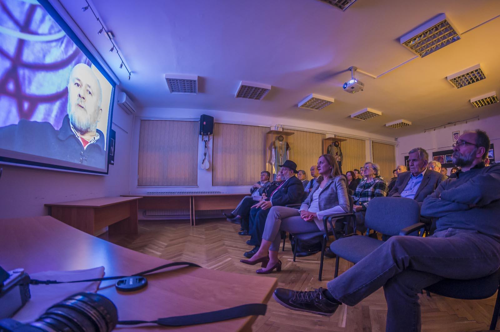 Projekcija Filma U Klubu Crnogoraca (14)