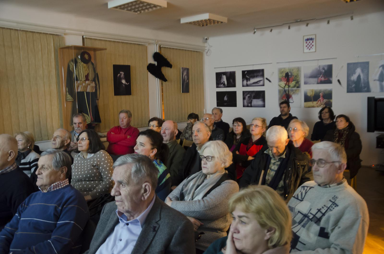 Projekcija Filma U Klubu Crnogoraca 1