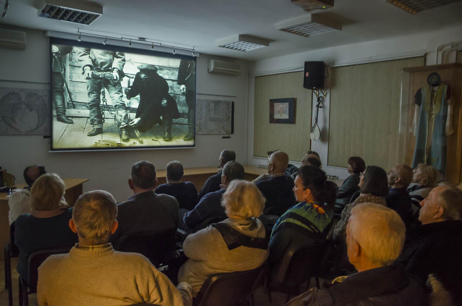 Projekcija Filma U Klubu Crnogoraca 4