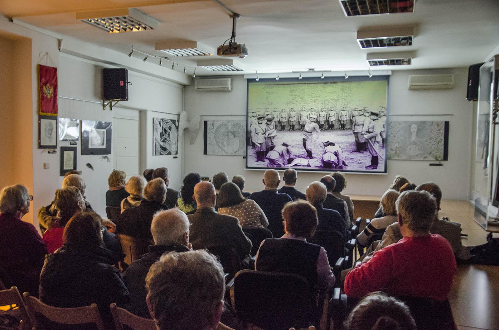 Projekcija Filma U Klubu Crnogoraca 5