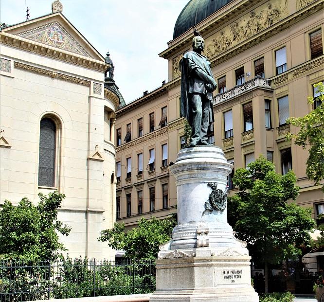 Spomenik Petar Preradovic 1