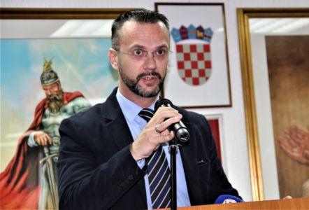 Albanci Dom 14