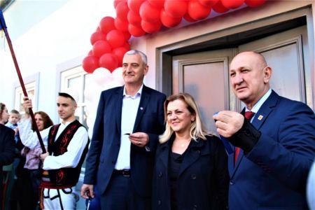 Albanci Dom 8
