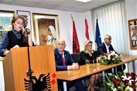 Albanci Dom 9