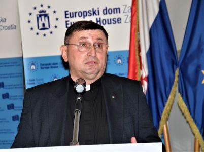 Albanci Pater 15
