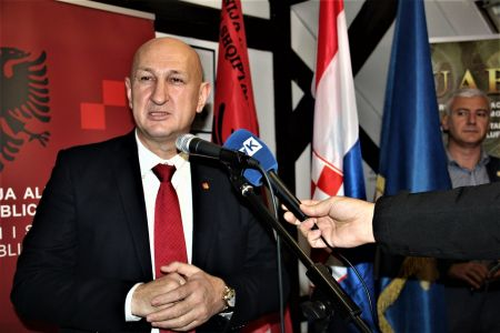 Albanci Radio 8
