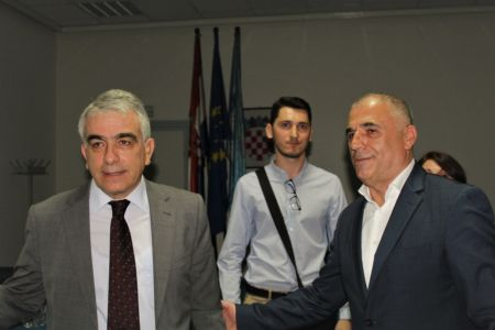 Albanci Statut 13