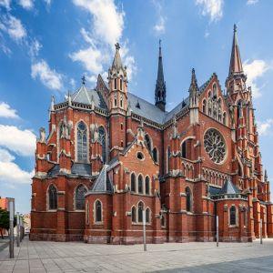 Crkva Sv. Petra I Pavla U Osijeku