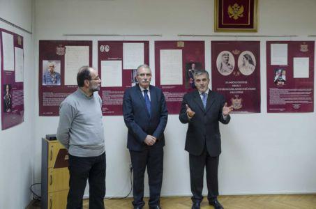 Izlozba U Crnogorskom Domu (1)