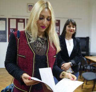 Izlozba U Crnogorskom Domu (3)