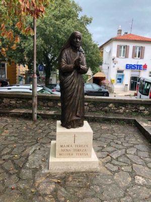 Kip Majke Tereze 3