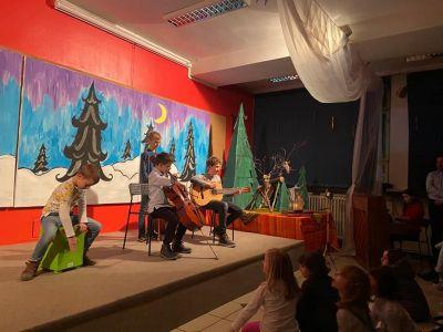 Madjari Betlehemsko Svjetlo Skola 3