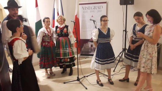 Madjari I Slovaci Proslava 7