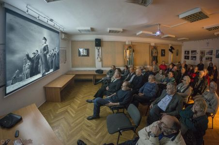 Projekcija Filma U Klubu Crnogoraca 7