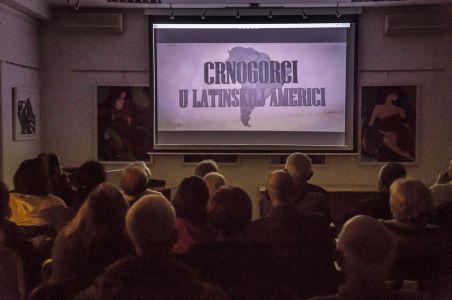 Sa Projekcije Filma U Crnogorskom Domu (9)