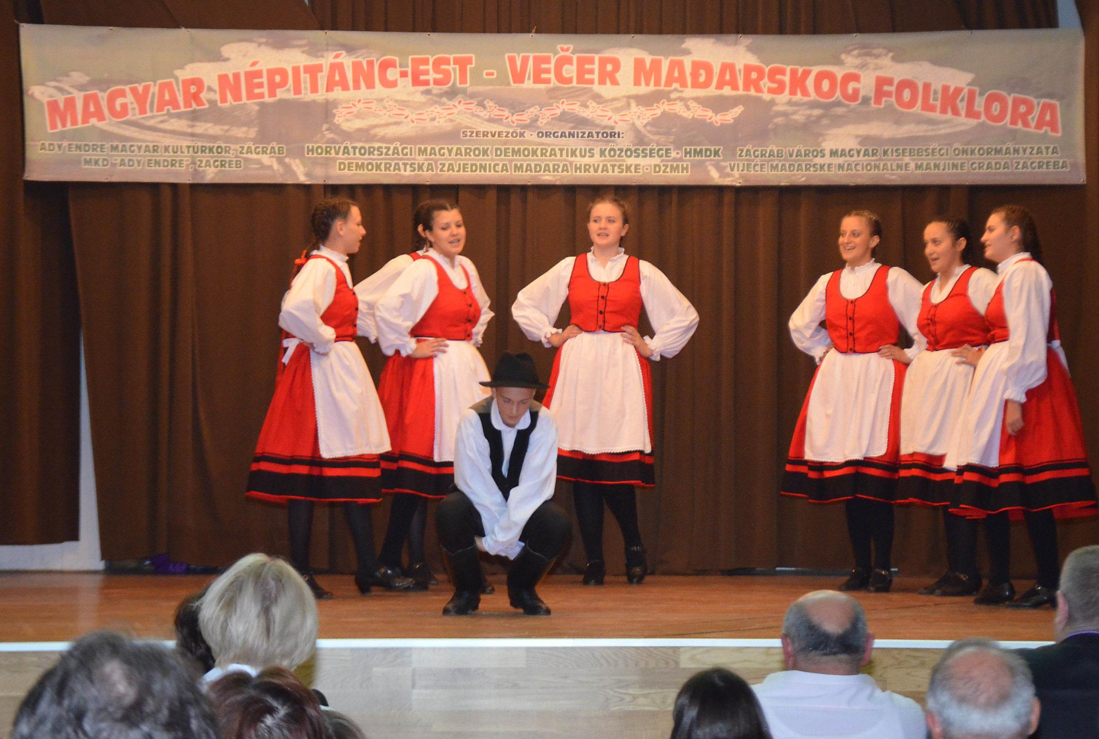 Vecer Madjarskkog Folklora (11)
