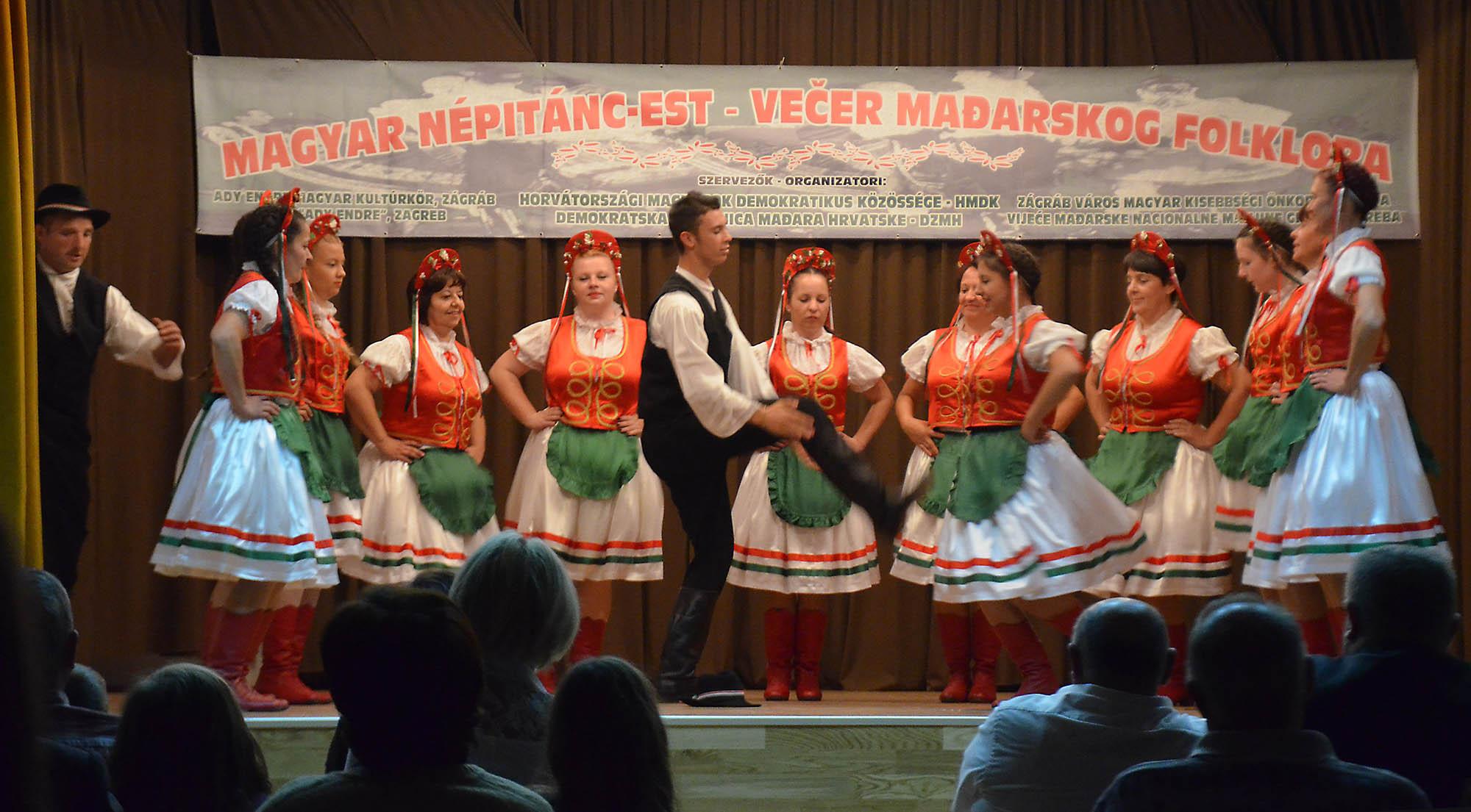 Vecer Madjarskkog Folklora (12)