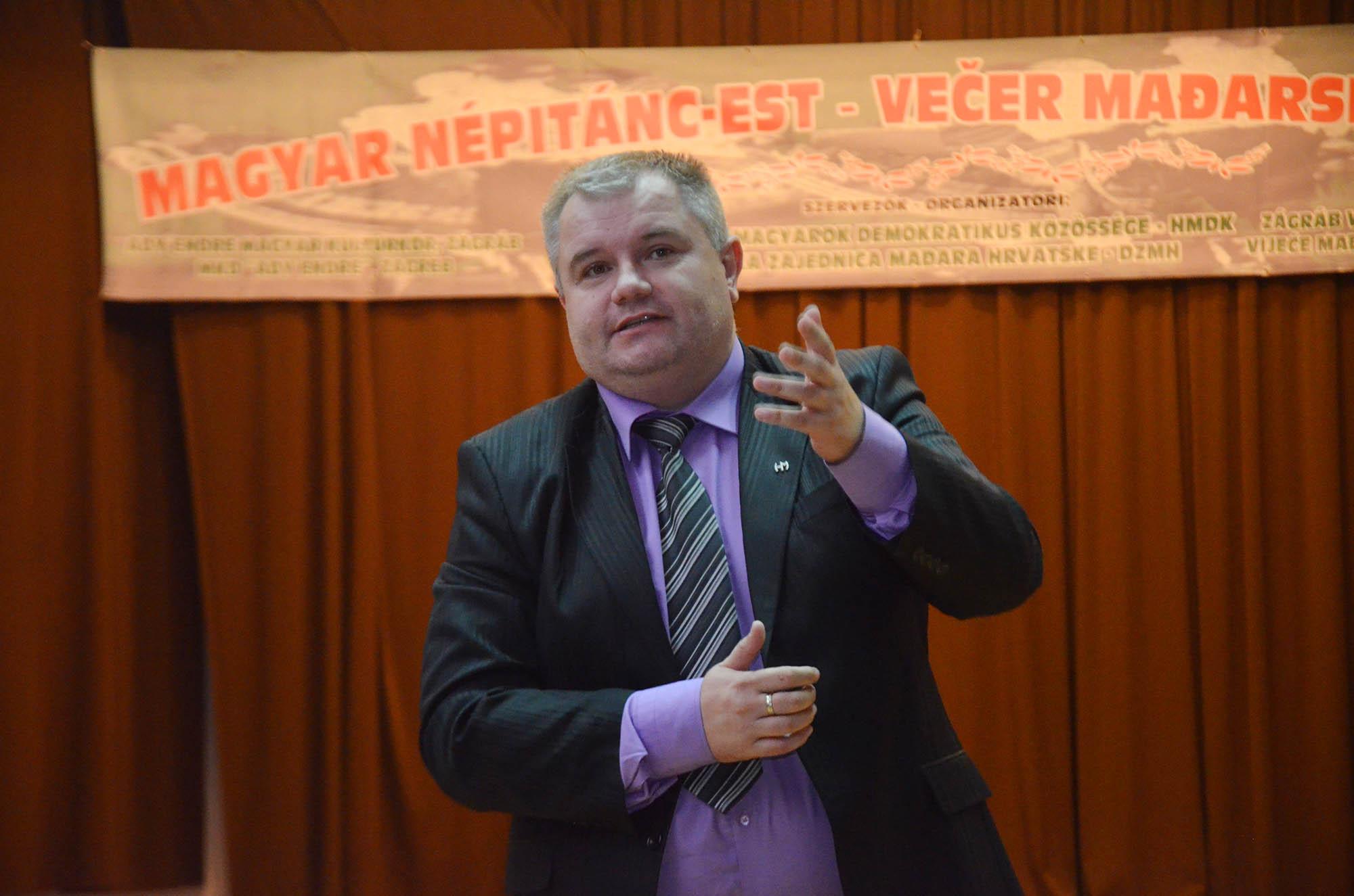 Vecer Madjarskkog Folklora (19)