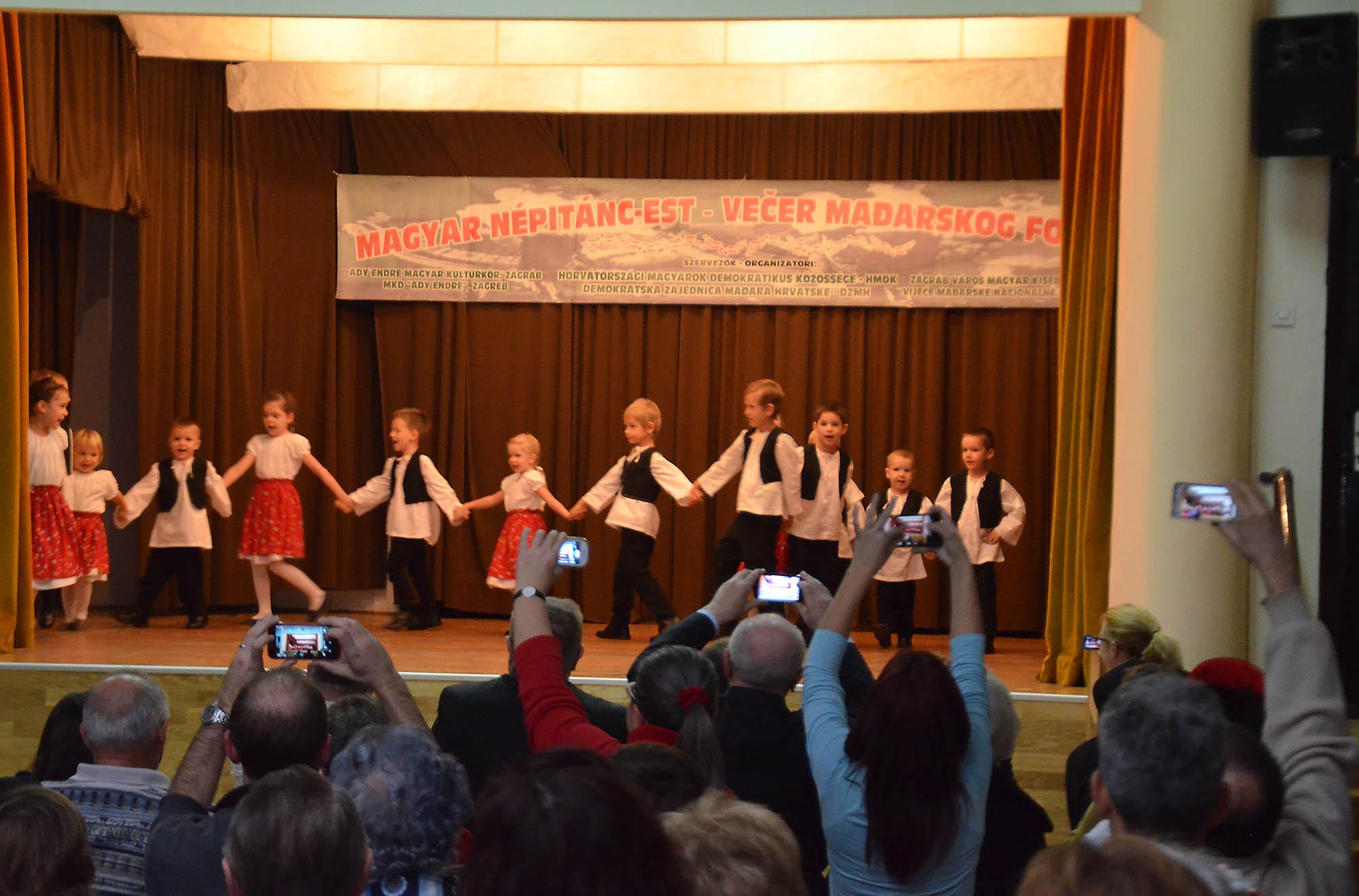 Vecer Madjarskkog Folklora (6)